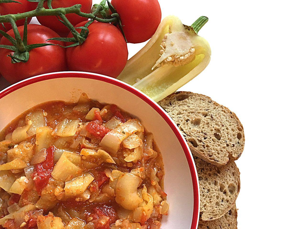 Vegan lecso hostel kitchen cooking recipe