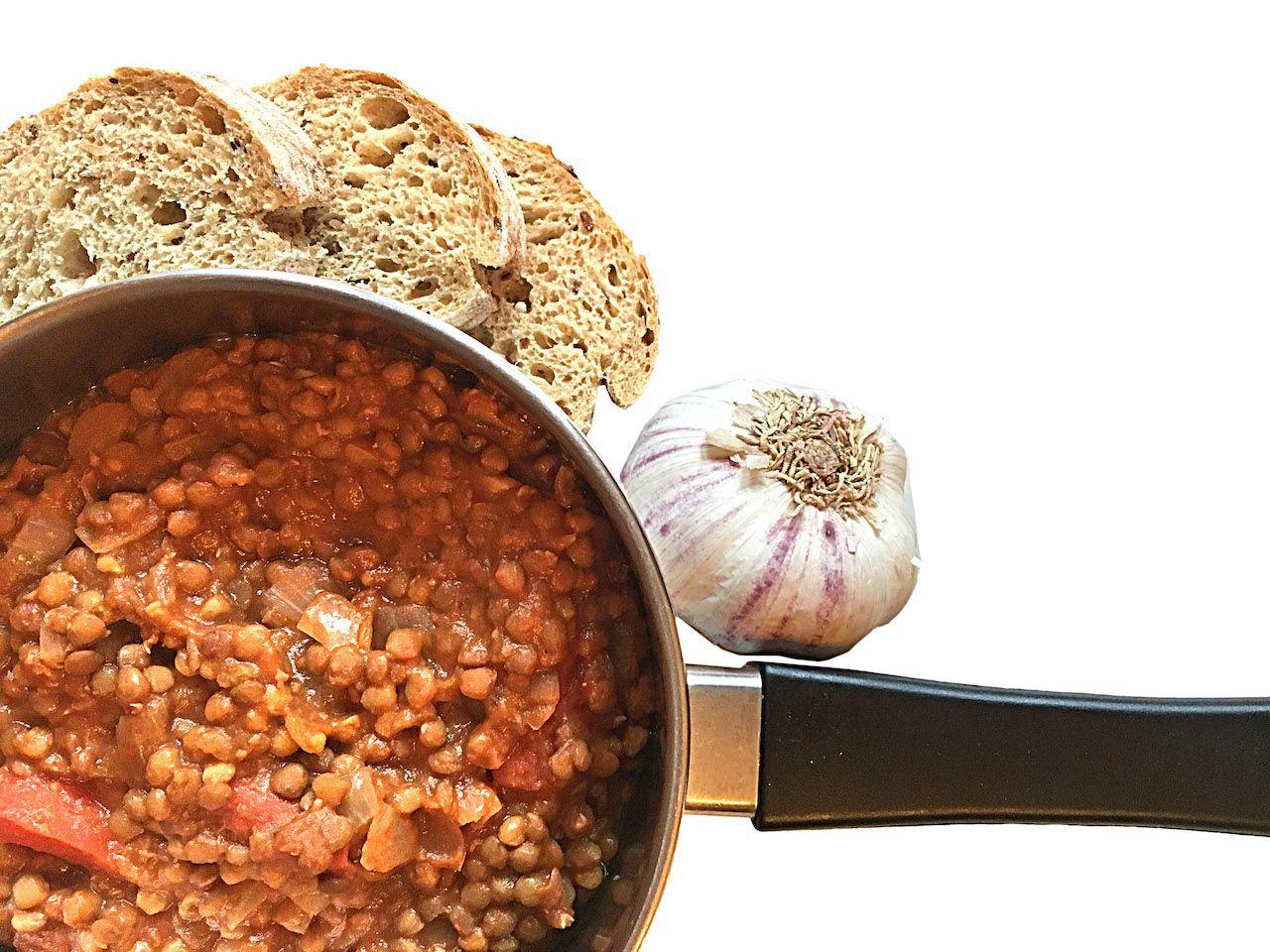 Vegan recipe for hostel kitchen cooking