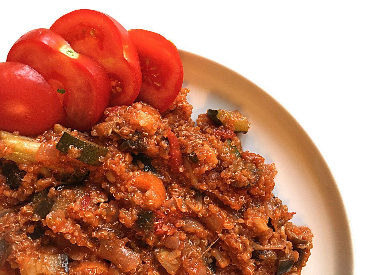 Vegan ragout recipe for hostel kitchen cooking