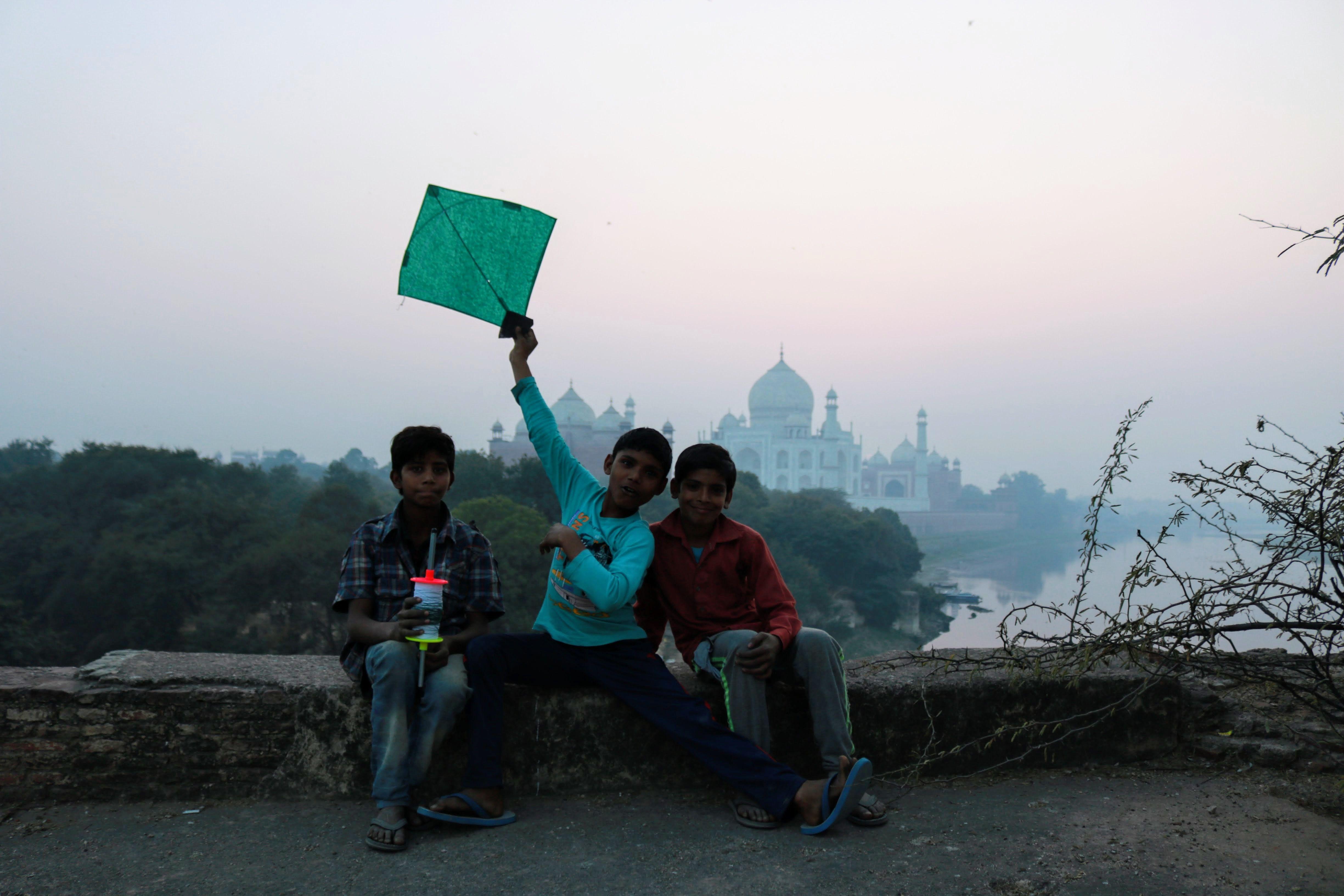 Alternate view of Taj Mahal