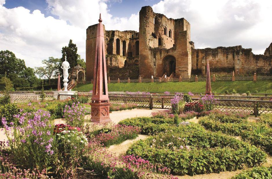 Kenilworth Castle gardens England