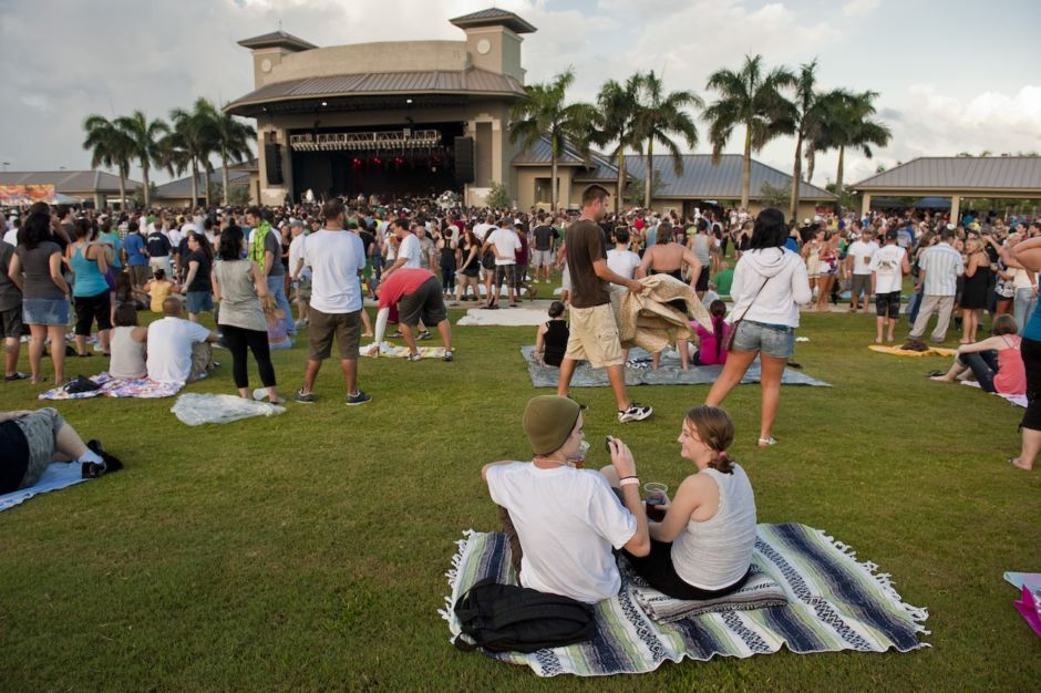 Sunset Cove Amphiteatre Palm Beaches Florida