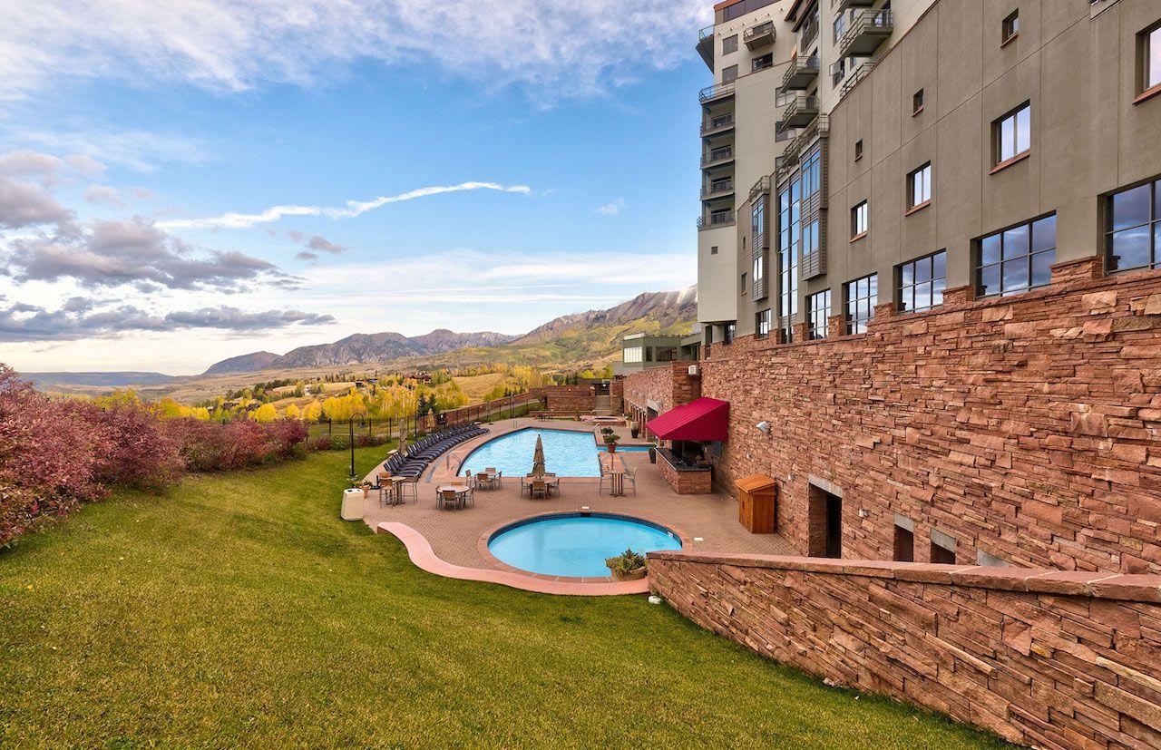 The Peaks Resort