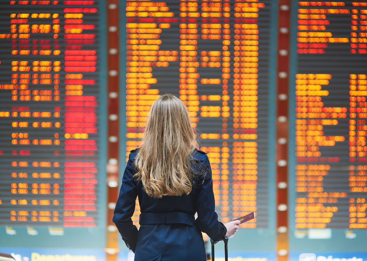 How to hack buying your flight to get the best price, according to an expert