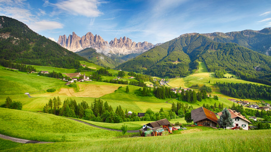 The ultimate guide to hiking Italy's most breathtaking trails