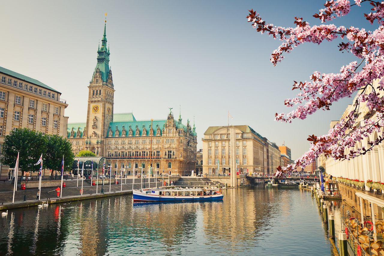 Hamburg Townhall Alster river