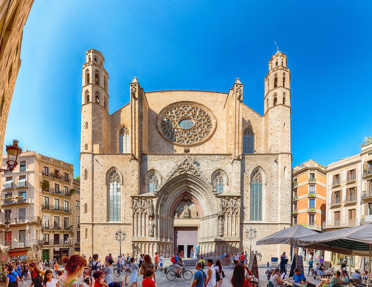 Scenic facade of the Gothic church of Santa Maria del Mar in the Ribera district of Barcelona