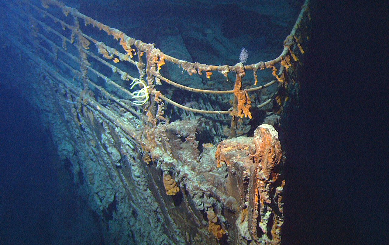 Dive the wreckage of the Titanic