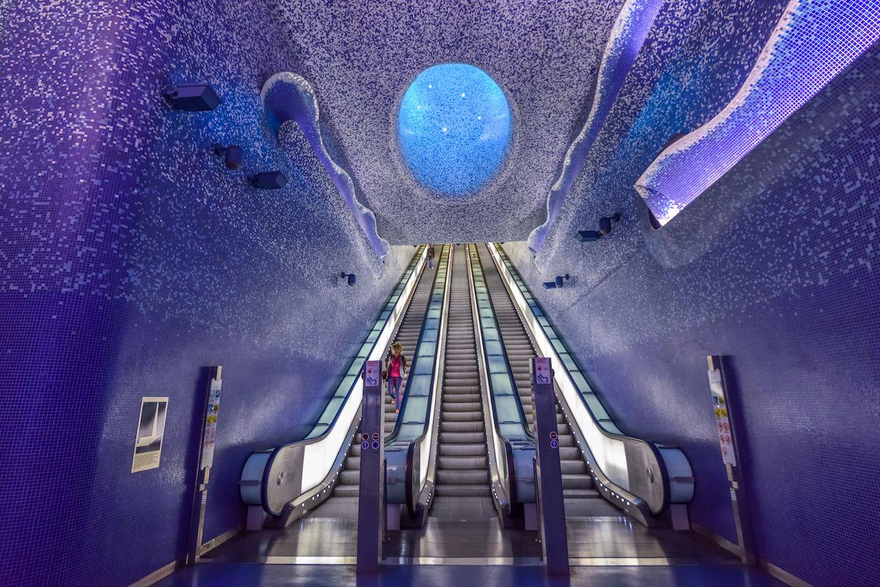 Toledo metro station interior