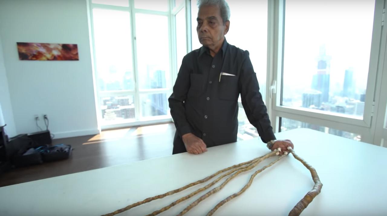Man cuts world s longest fingernails