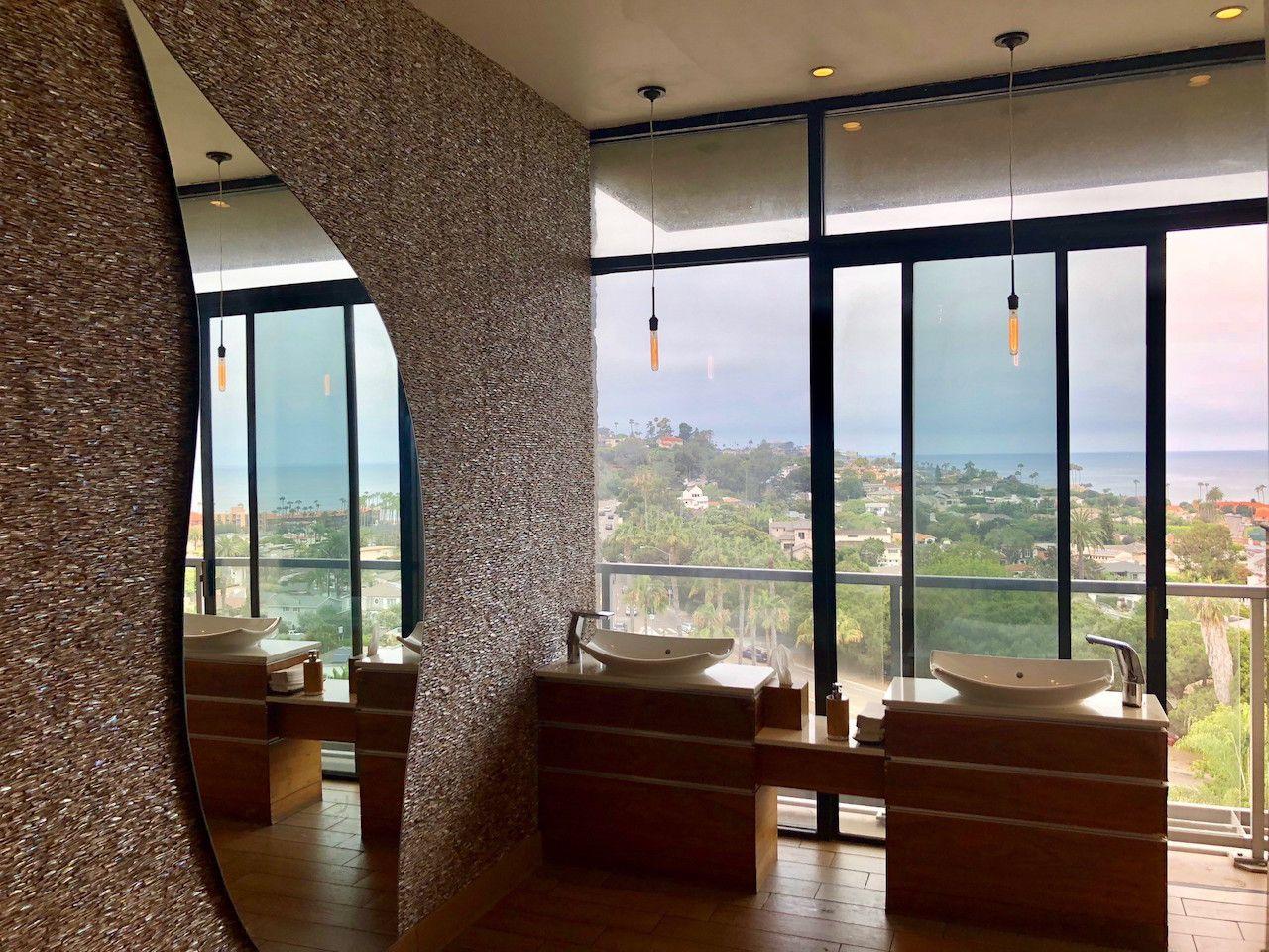 Bathroom in Hotel La Jolla in California