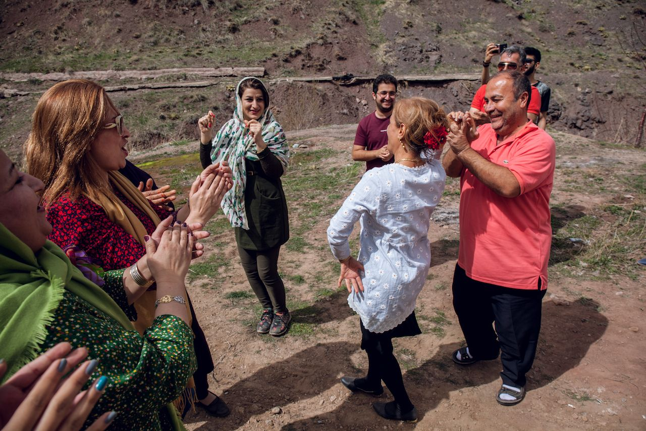 Dancing in the Iranian desert