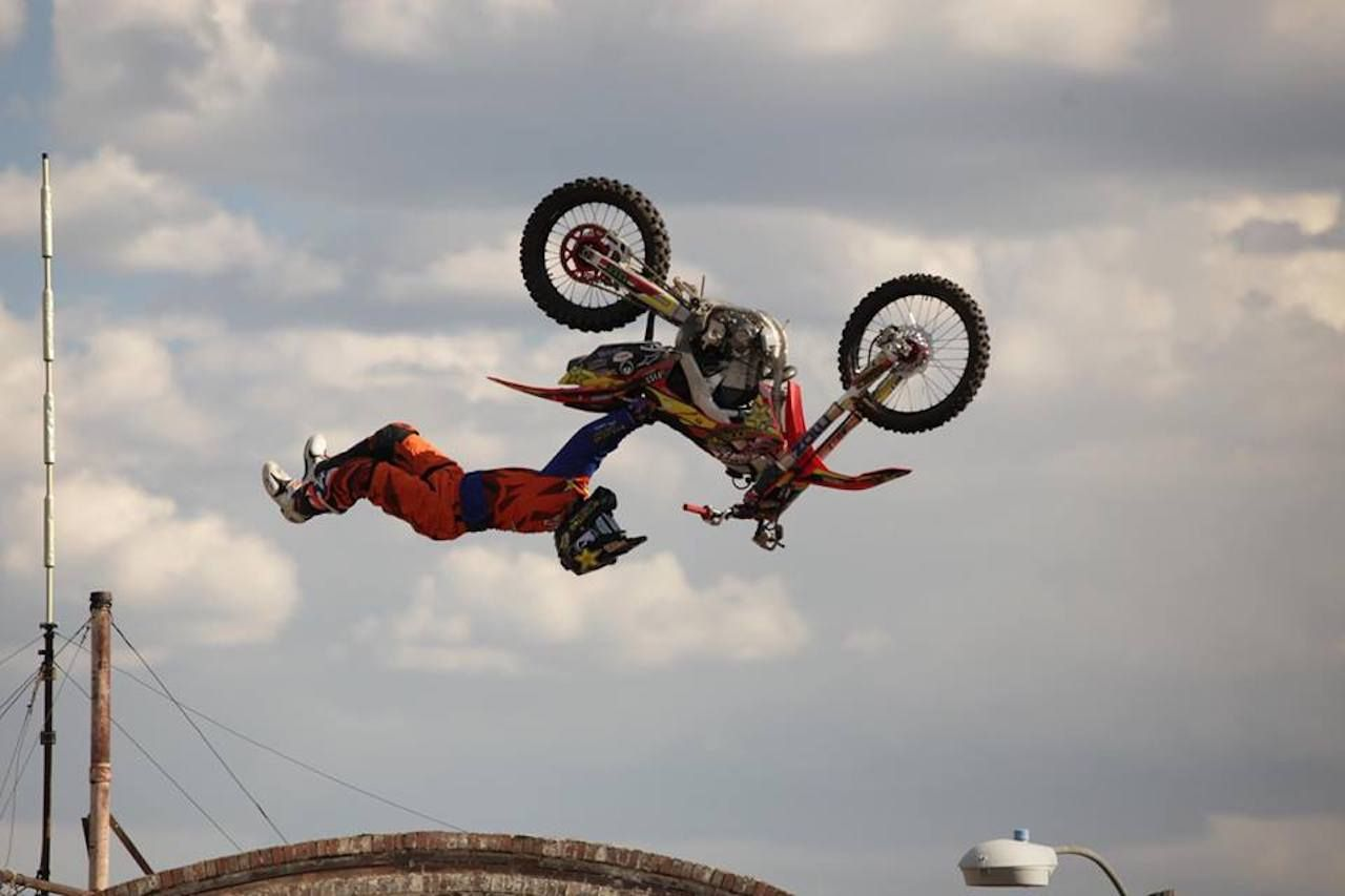 Evel Knievel festival stunt