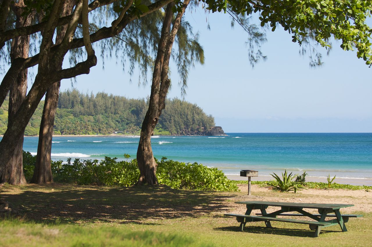 Halalei Bay, Kauai, beach with picnic table
