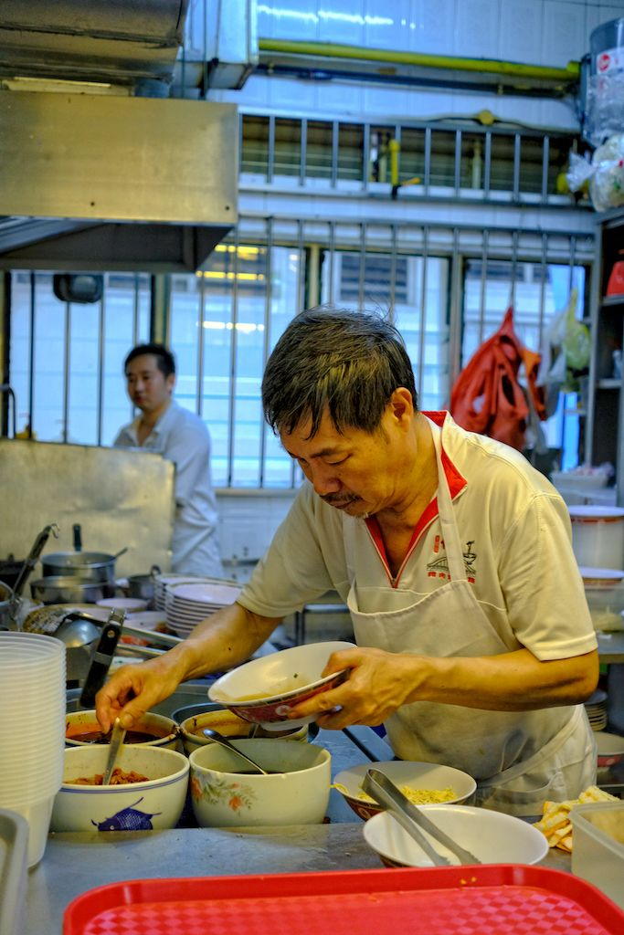 Hill Street Tai Hwa chef preparing noodle dish
