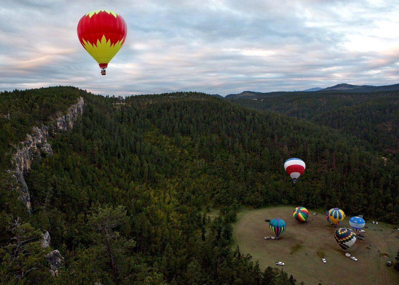 Nikki Swenson for Black Hills Balloons