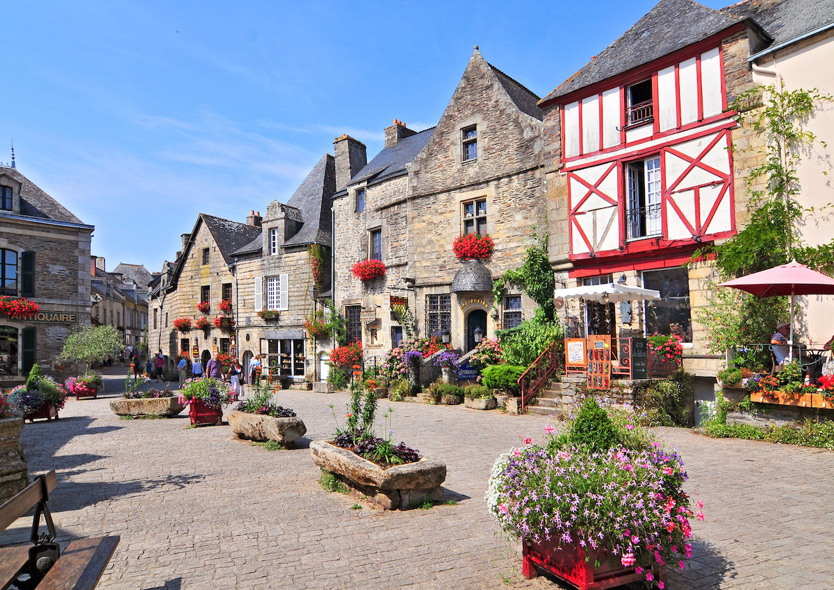 7 adorable French villages that will make you skip Paris completely