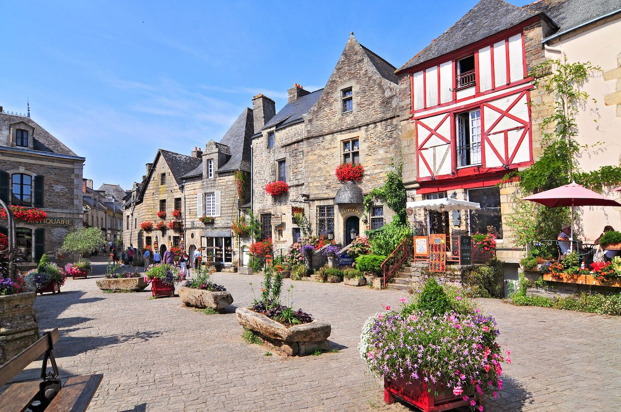 7 adorable French villages to visit