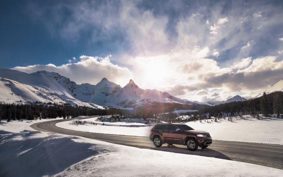 Icefields Parkway Jasper Canada winter