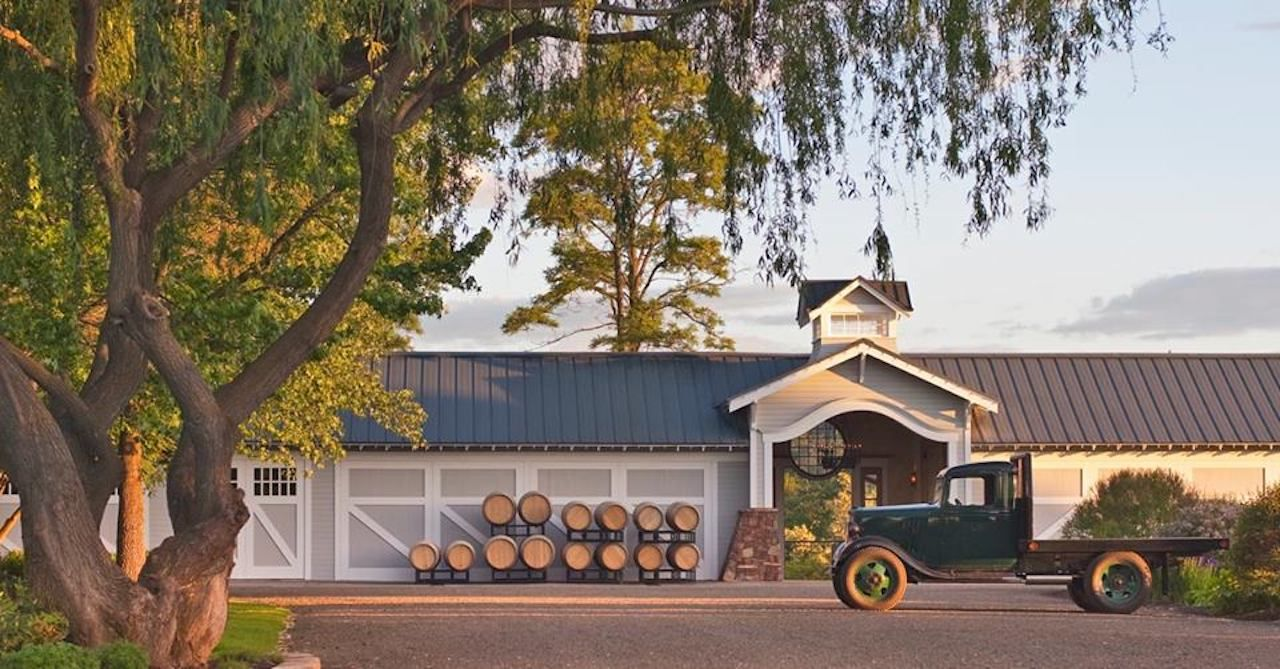 US wineries with accommodations