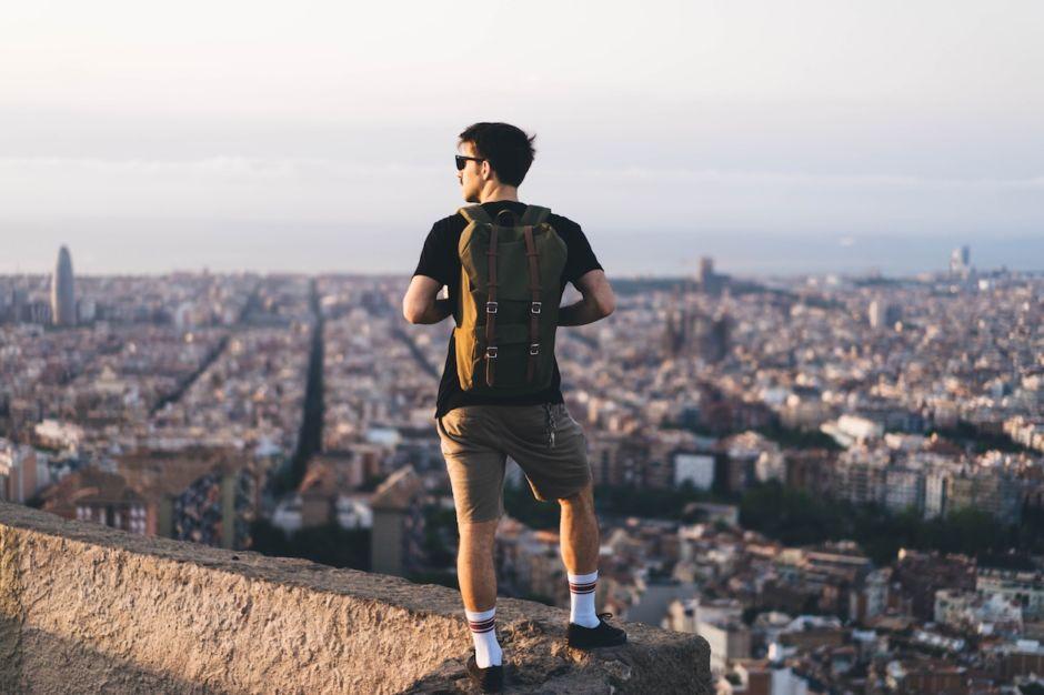 Backpacker traveler cityscape