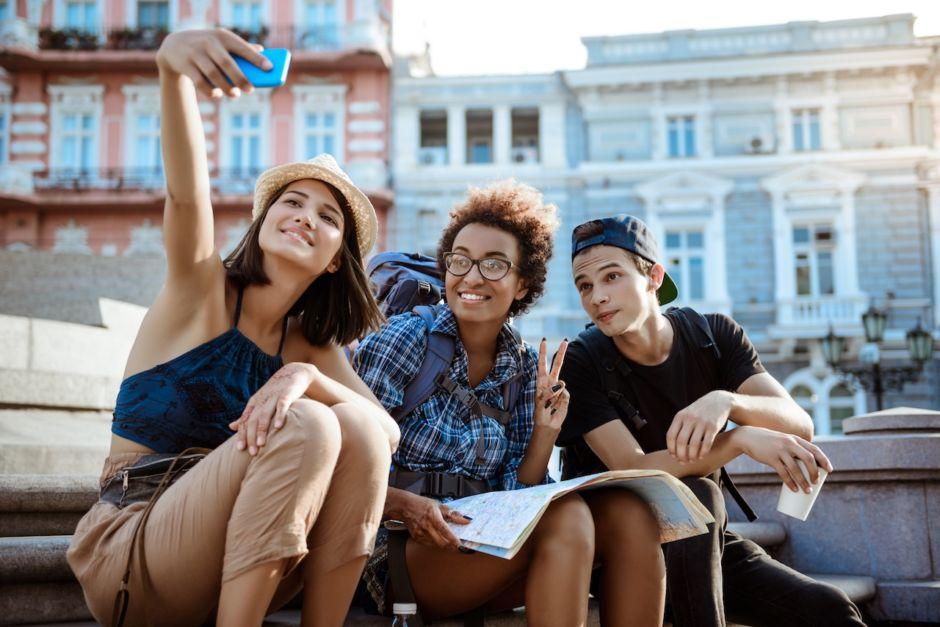 Backpackers travelers selfie friends