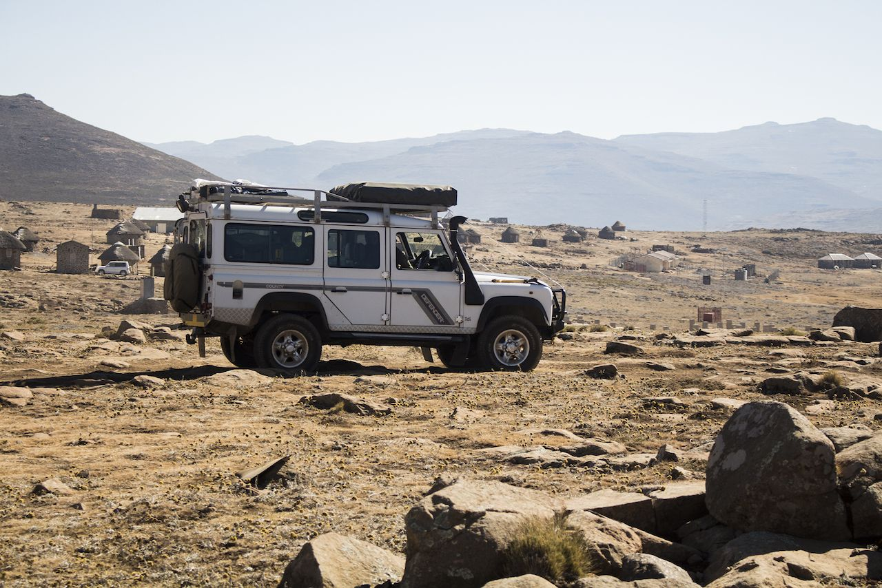 Land Rover off-roading in the Sani Pass, Lesotho