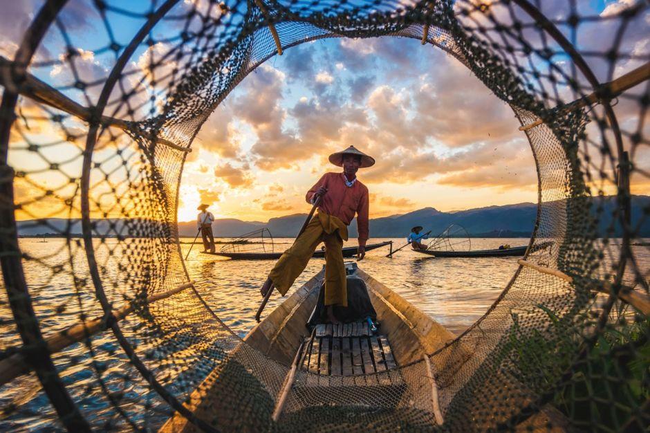Myanmar Inle Lake Intha fishermen
