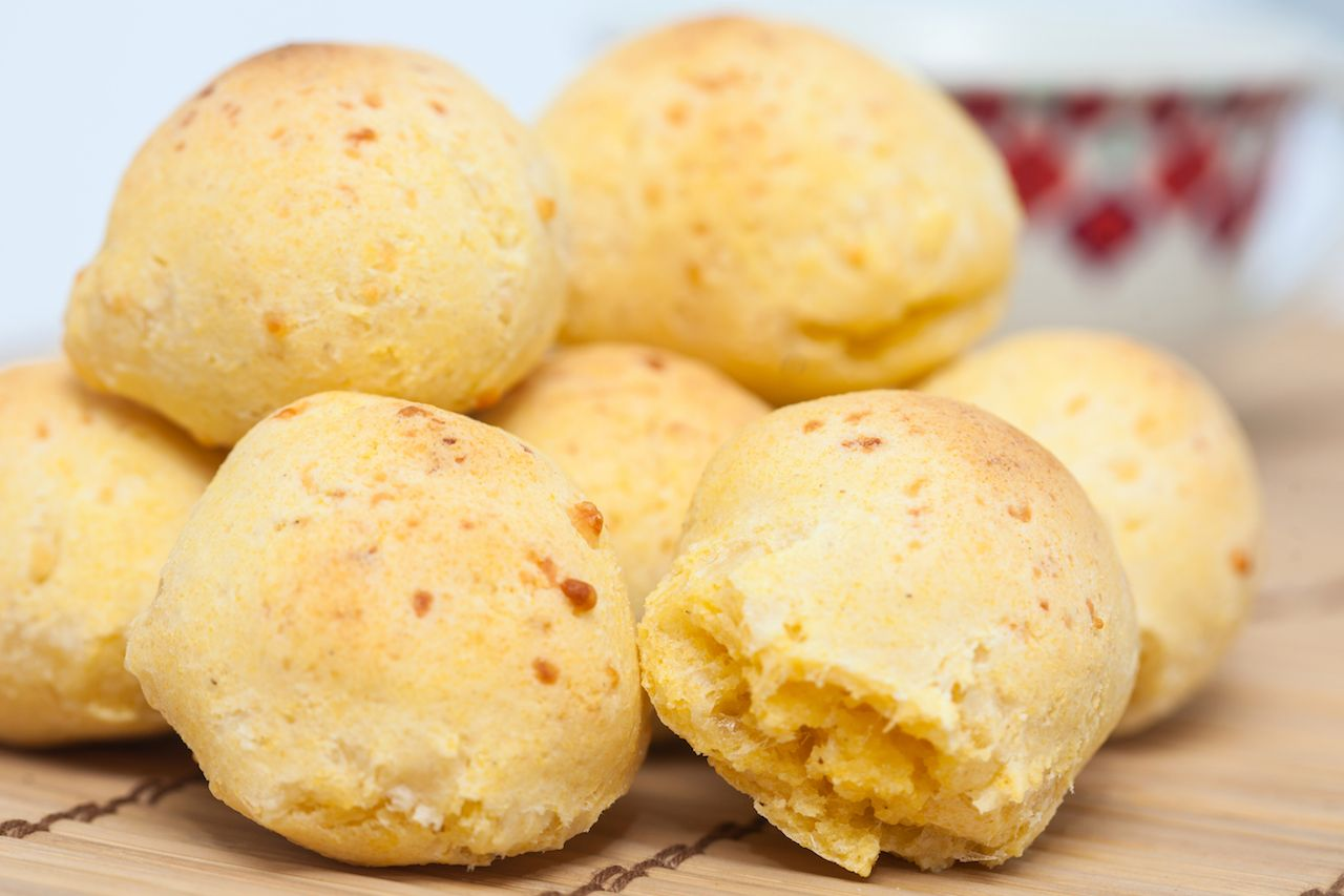 Pandebono, traditional Colombian cheese dish