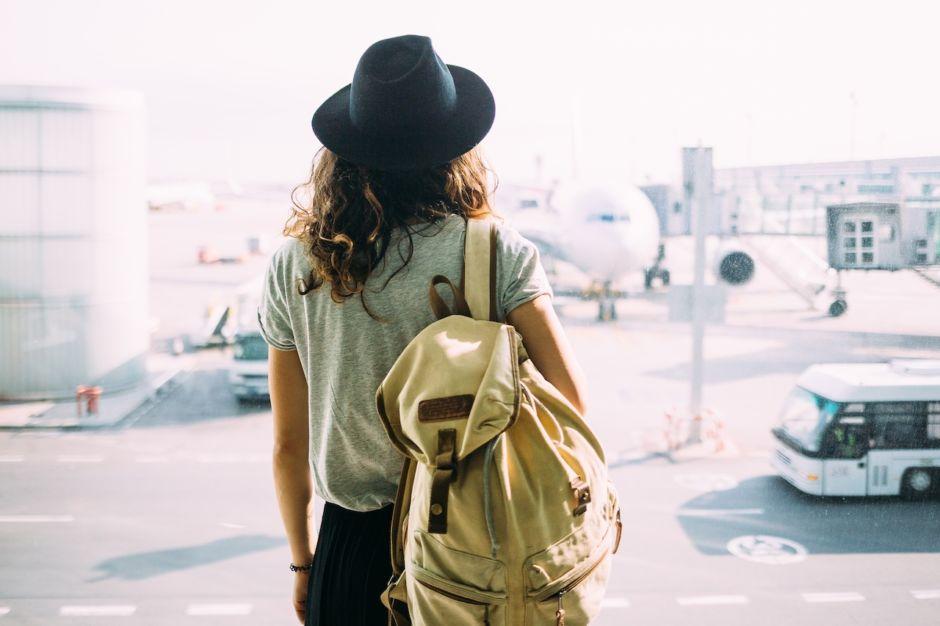 Traveler airport layover