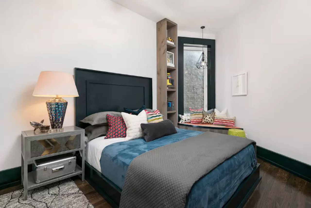 Bachelor pad just steps from Wrigley Field Airbnb in Chicago