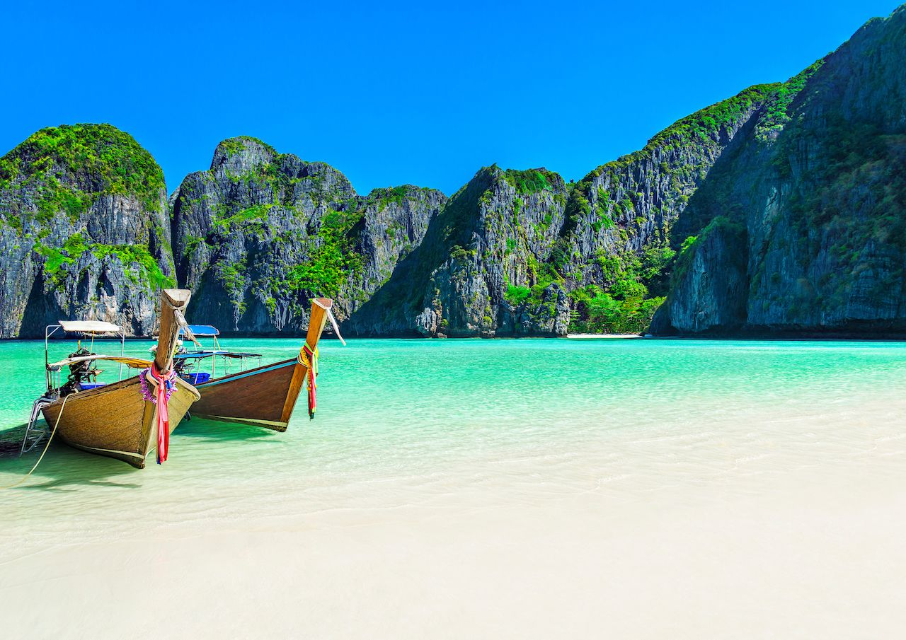 Thailand beach to close indefinitely