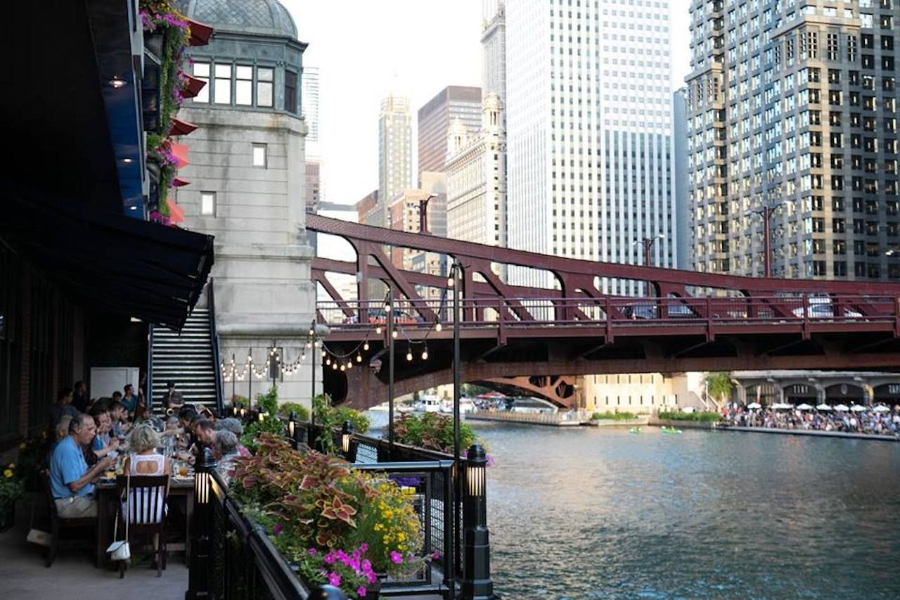 River Roast restaurant overlooking Chicago and the river