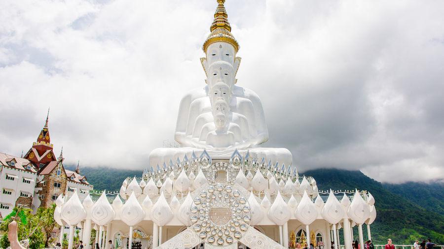 Temple of Wat Phra That Pha Sorn Kaew in Thailand
