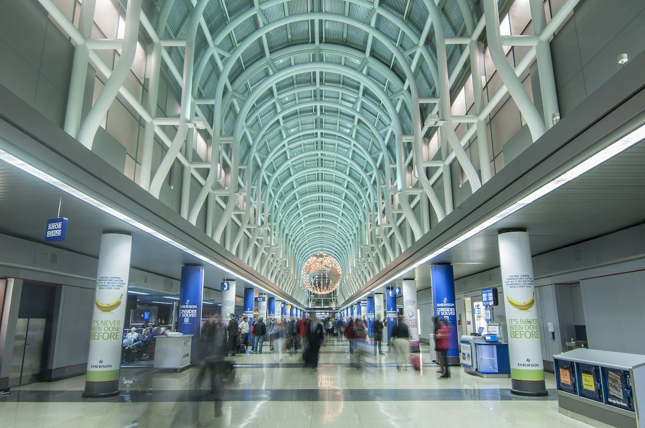 Travelers hurry about in Terminal 3 of Chicago OHare International Airport