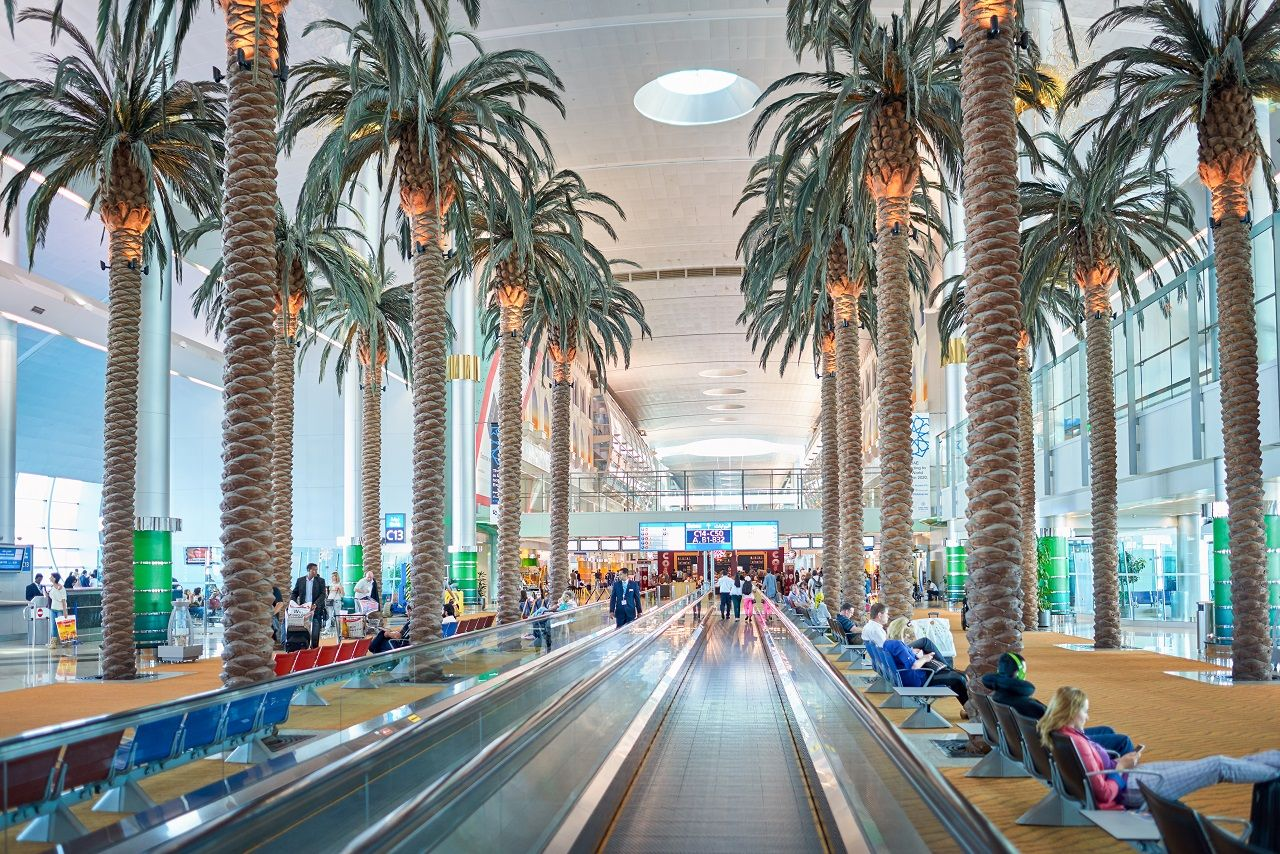 moving walkway at Dubai International Airport
