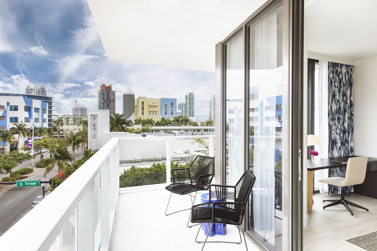 Kimpton Anglers guest room patio in Miami