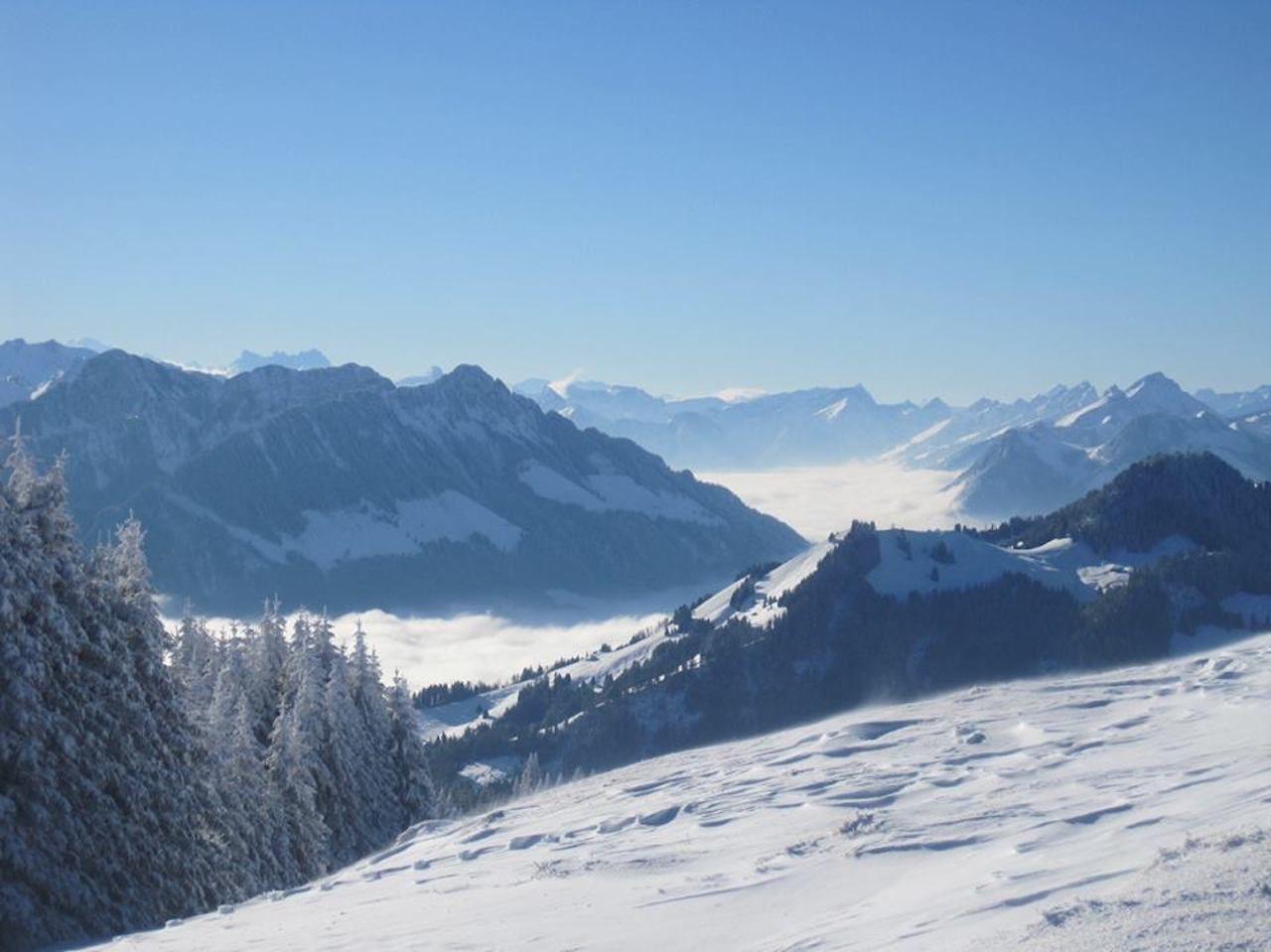 La Berra snowy ski mountains
