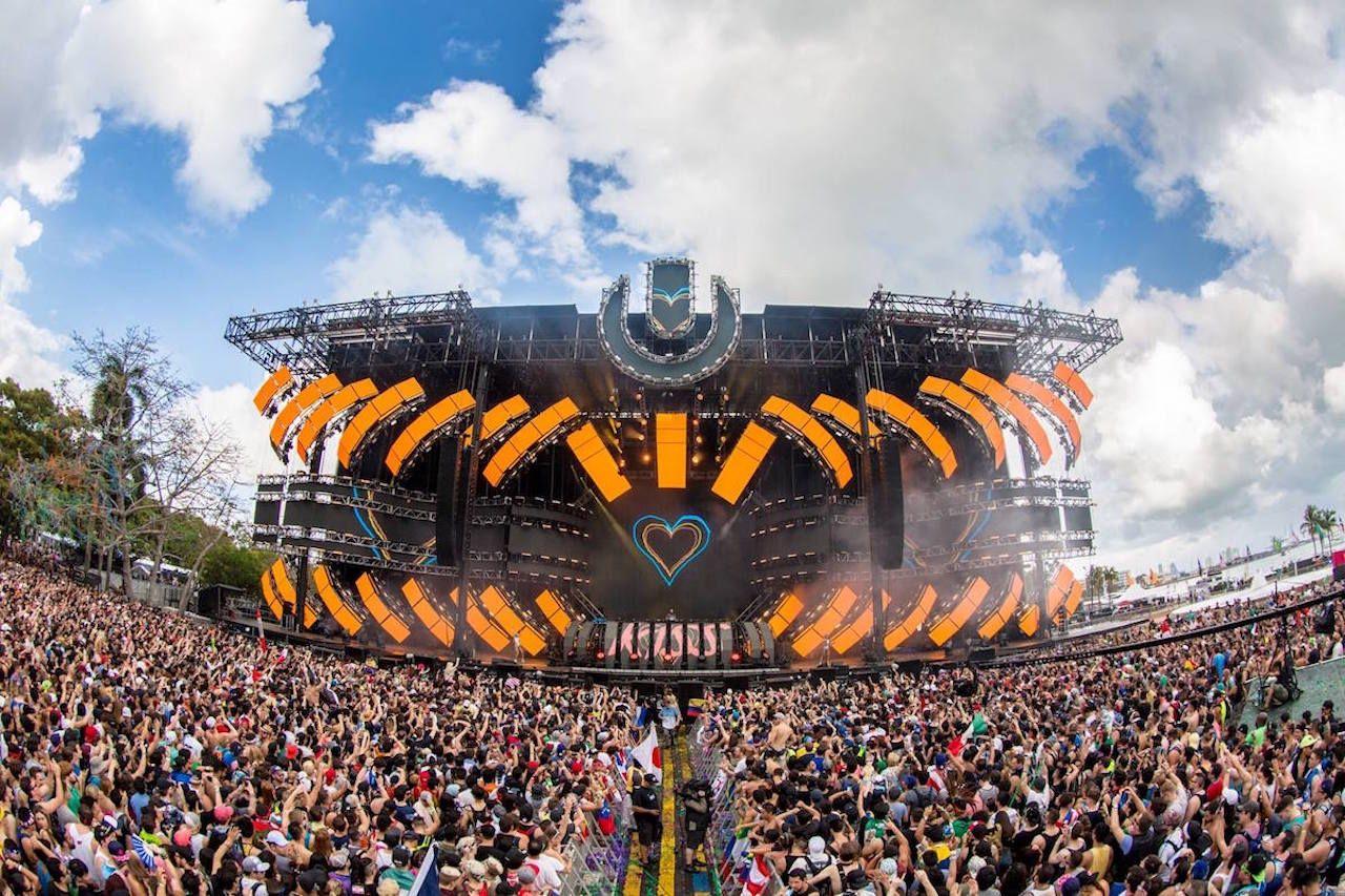 Miami Music Week festival crowds