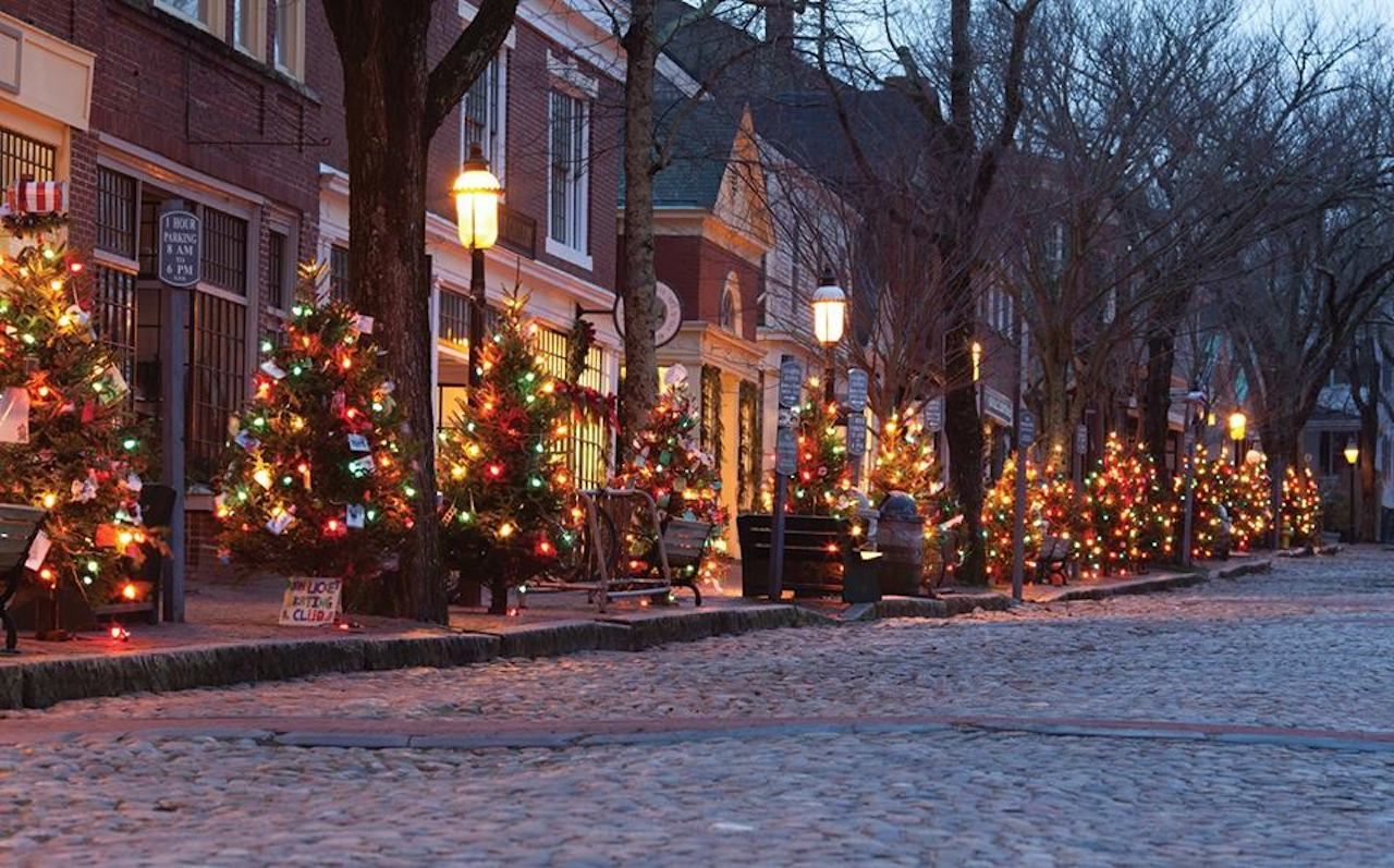 The Best New England Small Towns To See The Christmas Spirit