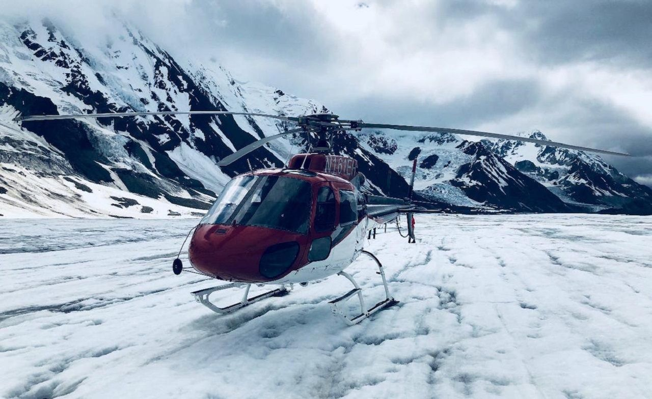 Stampede Excursions, helicopter on a glacier