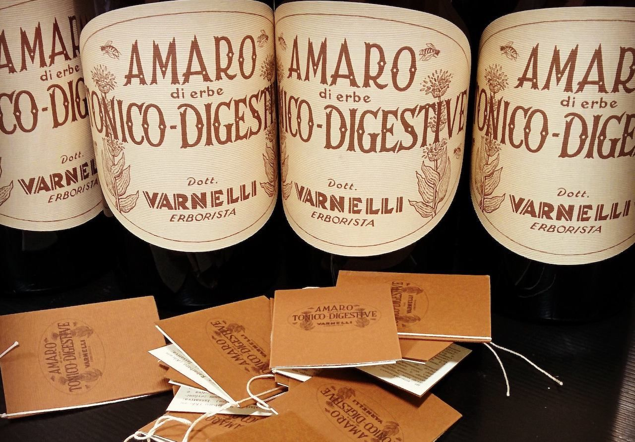Amaro bottles are a good gift for bartenders