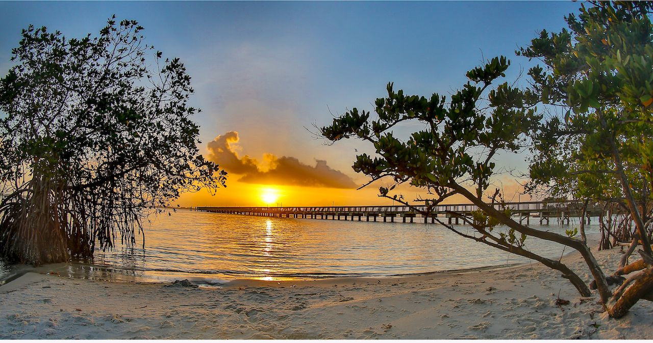 Early morning sunrise at Indian River Park in Jensen Beach, Florida