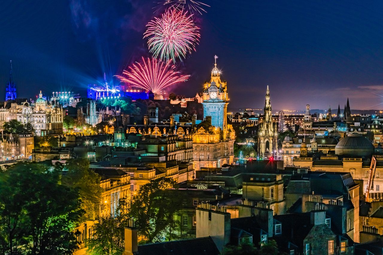 New Year's traditions around world