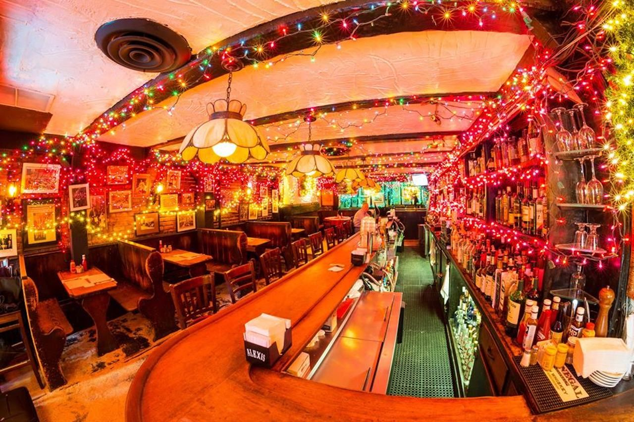 Mollys Shebeen bar in NYC strung up in christmas lights