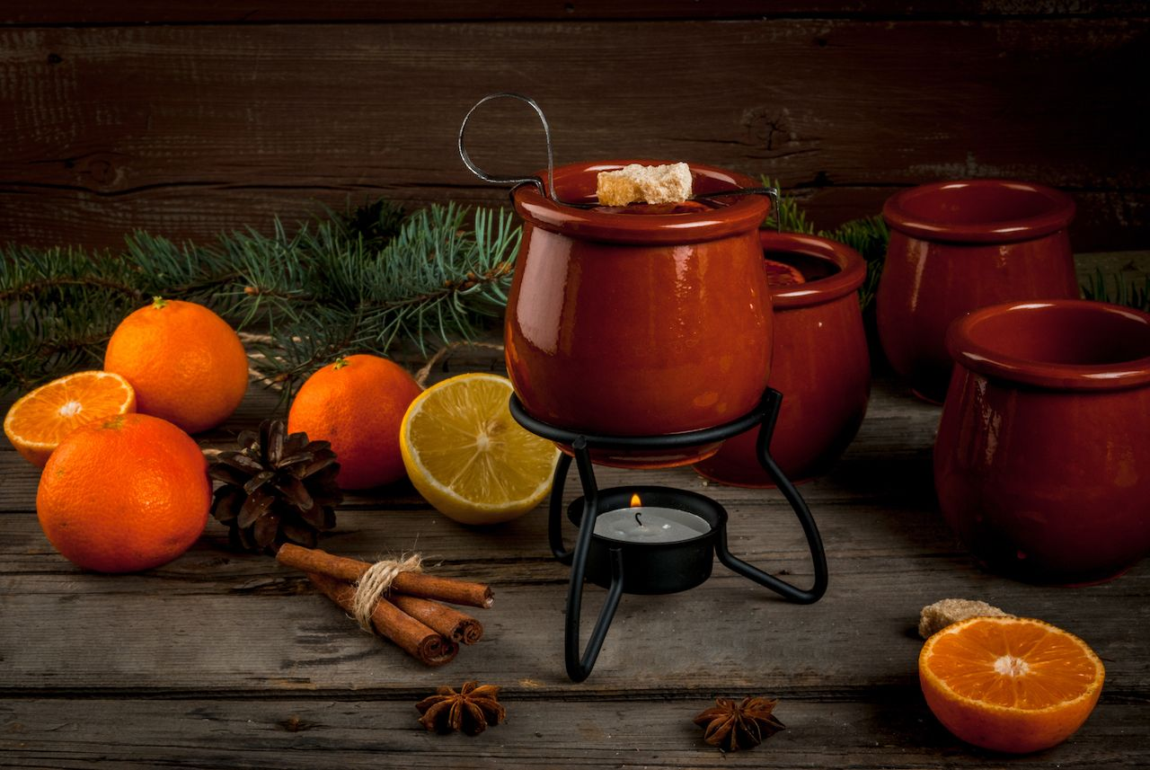 Traditional German Christmas drink feuerzangenbowle