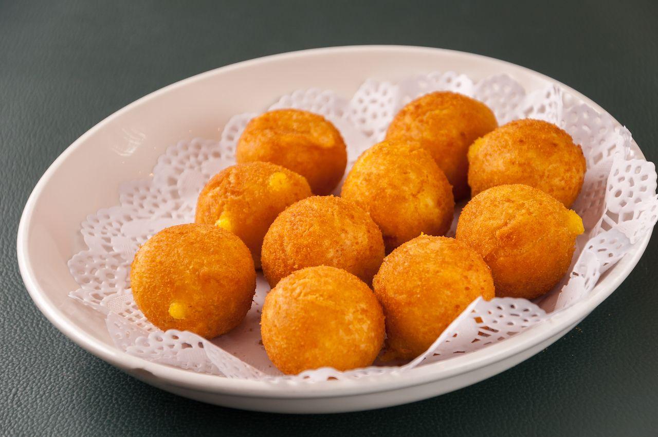 Tsibriki, deep-fried sweet potato balls