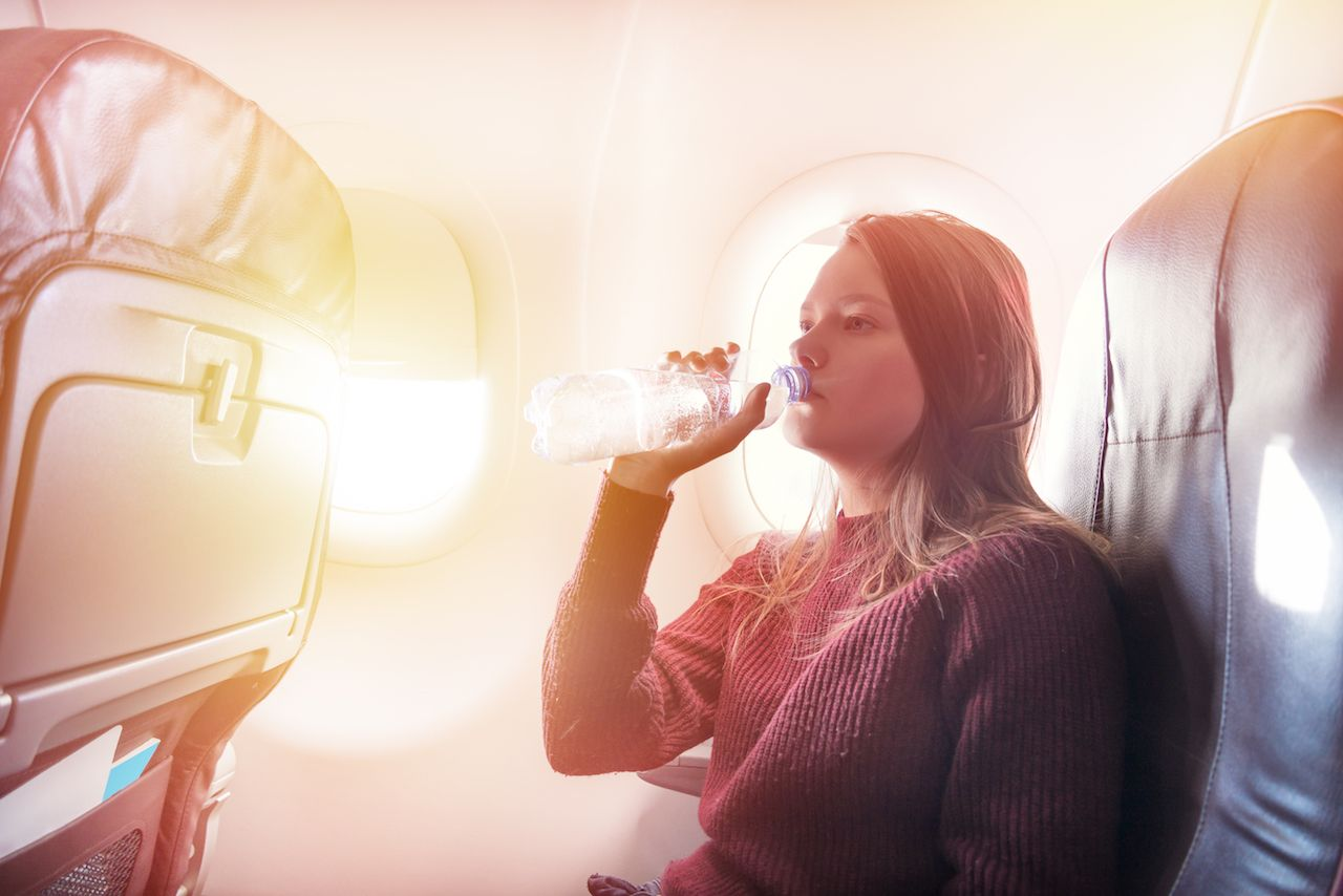 Why you get dehydrated on planes