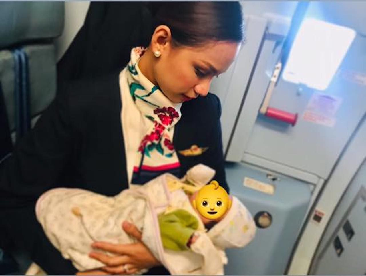 breastfeeding flight attendant