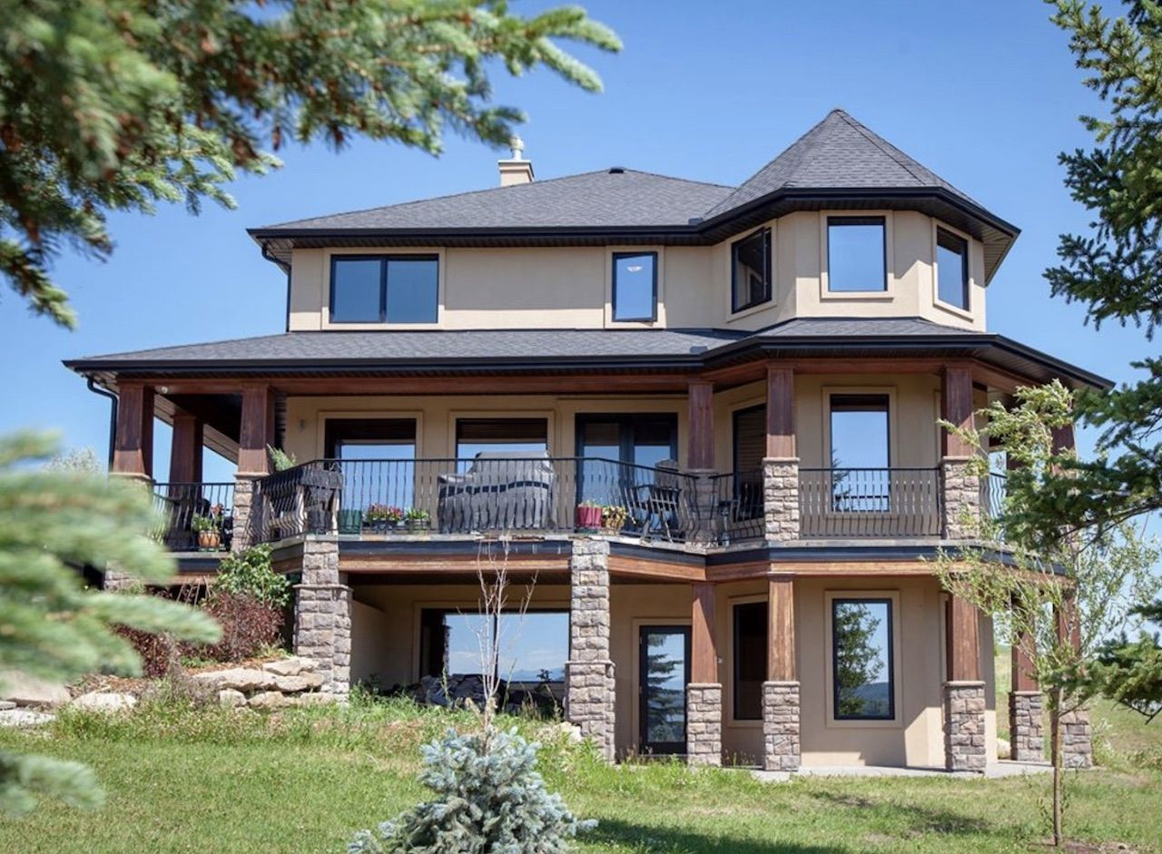Alberta mansion being given away by an essay contest
